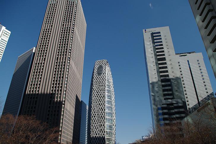 高層ビル(新宿)の商用利用可能なフリー写真素材