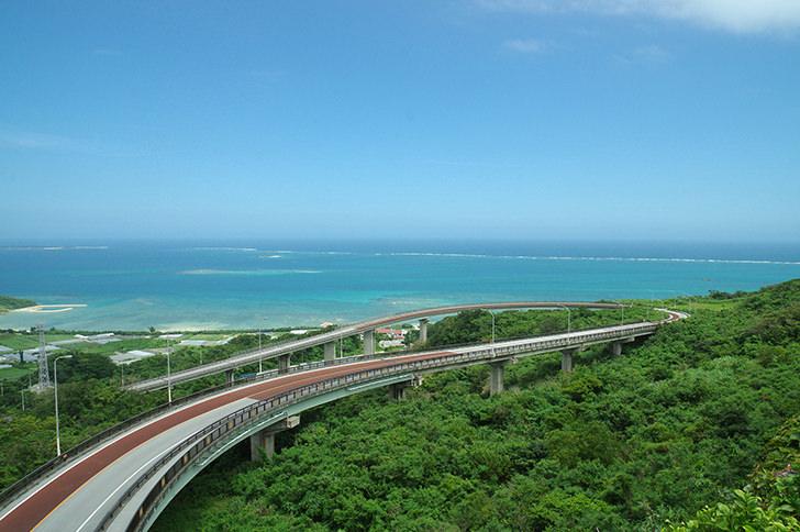 ニライカナイ橋(沖縄)の商用利用可能なフリー写真素材