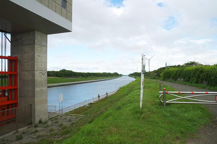 石狩放水路の商用利用可フリー写真素材2502   フォトック