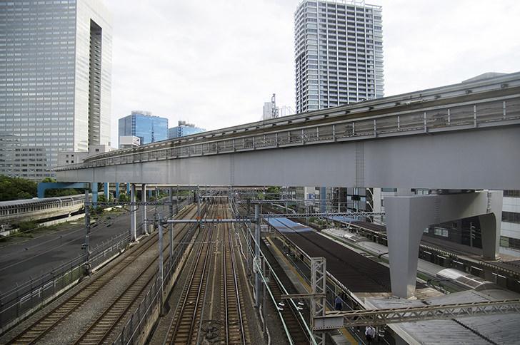 浜松町駅付近の線路の商用利用可能なフリー写真素材