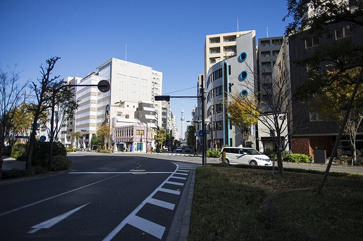 東日本橋付近の交差点の商用利用可能なフリー写真素材
