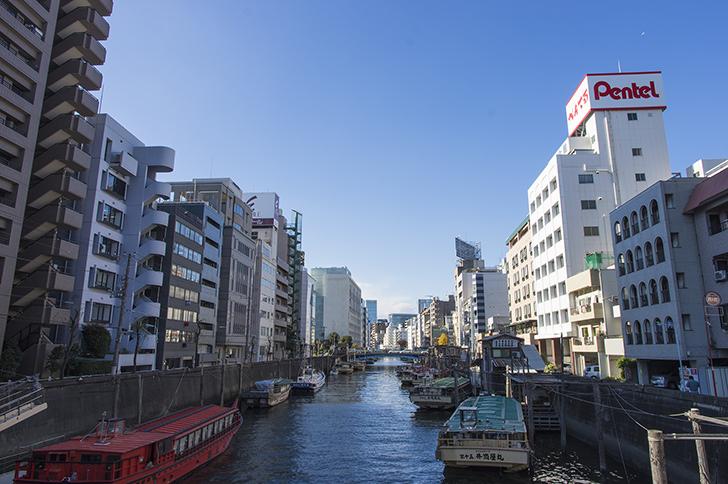 柳橋から見る浅草橋の景色の商用利用可能なフリー写真素材