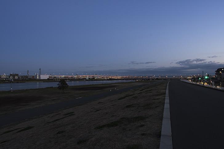 荒川河川敷の商用利用可能なフリー写真素材