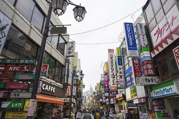吉祥寺パークロード商店街の商用利用可能なフリー写真素材