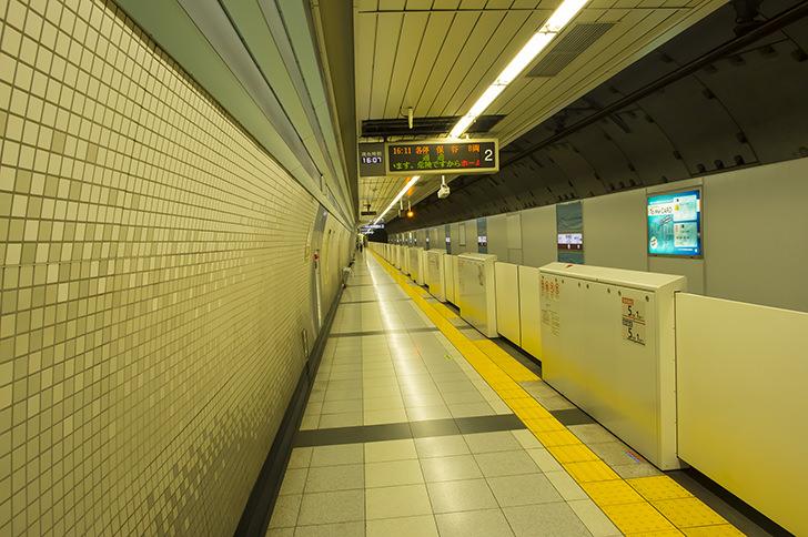 東京地下鉄副都心線 西早稲田駅の商用利用可能なフリー写真素材