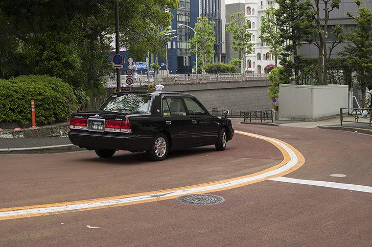 タクシーでのラジオがうるさいと言われたときの対処法・注意点