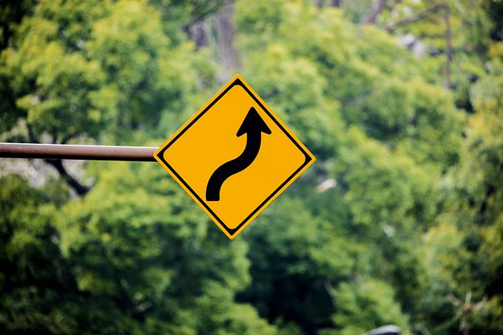 「警戒標識」のフリー写真素材