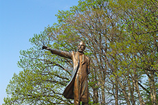 クラーク博士像のフリー写真素材