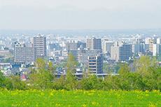 羊ヶ丘展望台から見える札幌市街のフリー写真素材