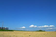 空と土のフリー写真素材
