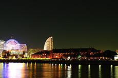 横浜の夜景(赤レンガ倉庫)のフリー写真素材