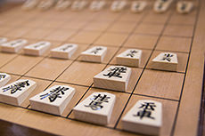 将棋盤と駒のフリー写真素材
