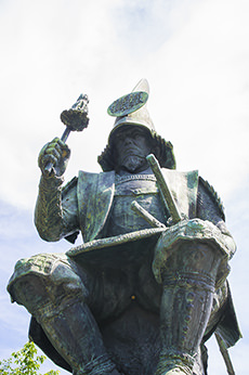 bronze statue of Kiyomasa Kato